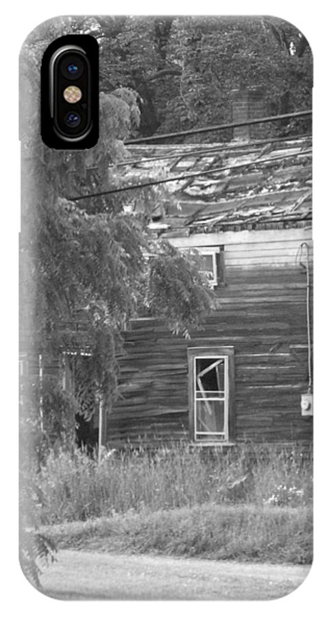 House IPhone X Case featuring the photograph This Old House by Rhonda Barrett