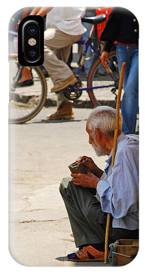 Beggar IPhone Case featuring the photograph Un Peso Por Favor by Skip Hunt