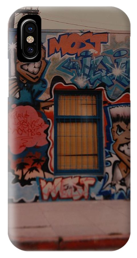 Urban IPhone X / XS Case featuring the photograph Urban Art by Rob Hans