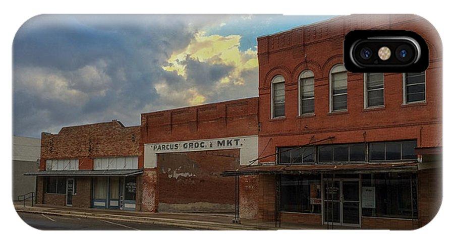 Vanishing Texas IPhone X / XS Case featuring the photograph #vanishingtexas Street Scene - Rosebud Texas by Trace Ready