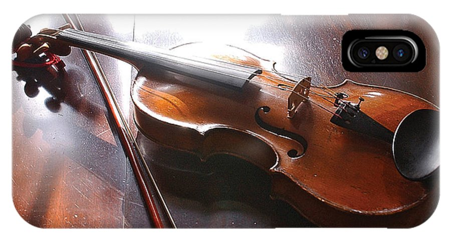 Violin IPhone Case featuring the photograph Violin On Table by Steve Somerville