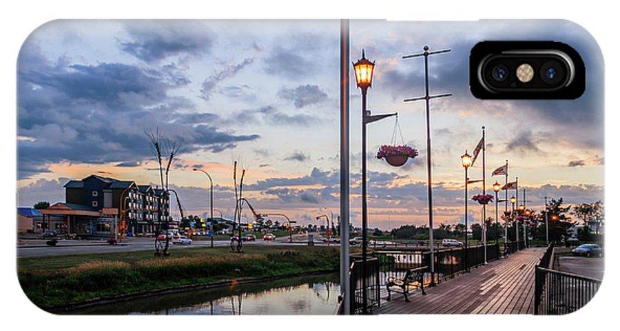 Embankment IPhone X Case featuring the photograph Embankment In Weyburn by Viktor Birkus