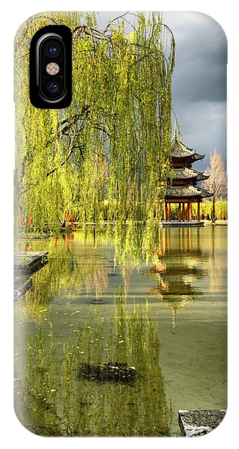 Linda Brody IPhone X Case featuring the photograph Willow Tree In Liiang China II by Linda Brody