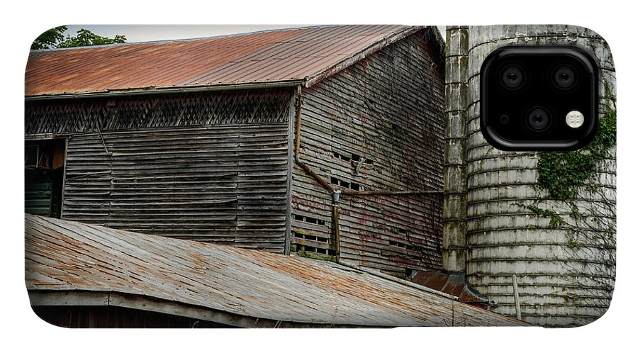 Shenandoah Valley IPhone Case featuring the photograph Abandoned Barn by Pat Scanlon