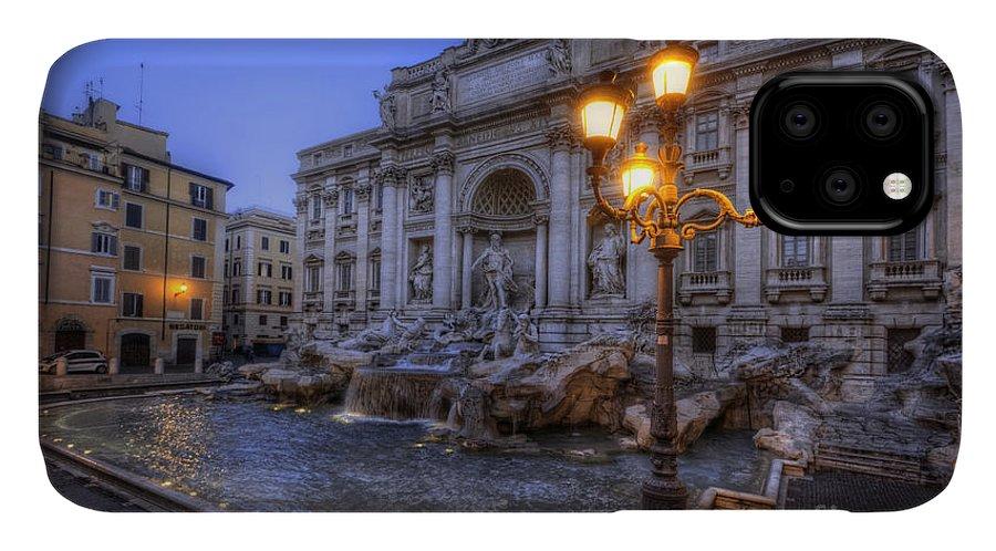 Yhun Suarez IPhone Case featuring the photograph Fontana Di Trevi 3.0 by Yhun Suarez