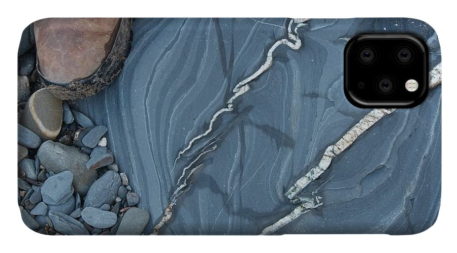 Cryptocrystalline Quartz IPhone Case featuring the photograph Hydrothermal Veins by Sinclair Stammers
