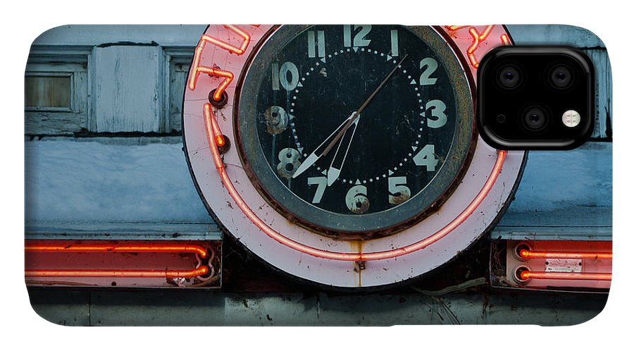 Diner IPhone 11 Case featuring the photograph Time To Eat by Edward Fielding