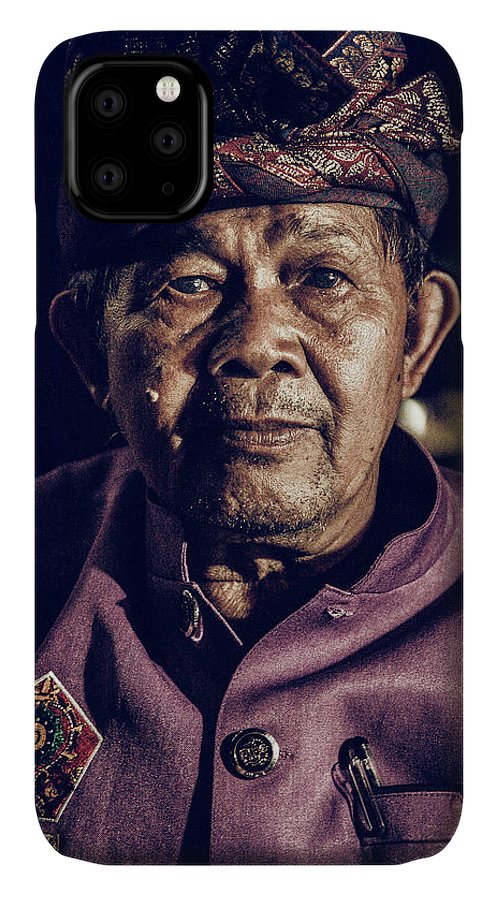 Kekak IPhone Case featuring the photograph The Guardian Of Dance by Felipe Queriquelli