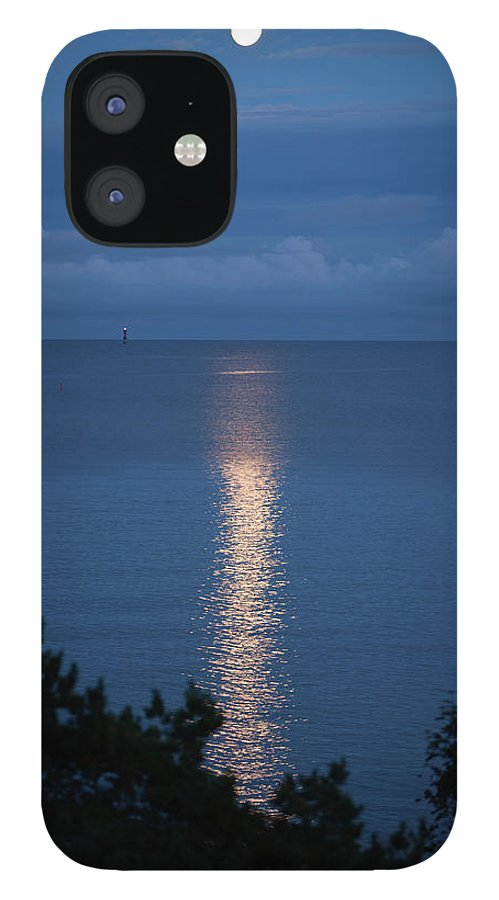 Archipelago iPhone 12 Case featuring the photograph Full Moon Over Sea by Johner Images
