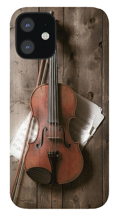 Bow IPhone 12 Case featuring the photograph Violin by Garry Gay