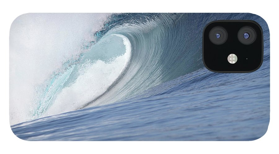 Spray IPhone 12 Case featuring the photograph Perfect Wave by Reniw-imagery