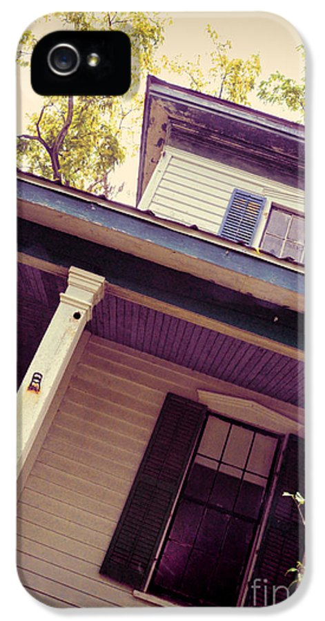 House IPhone 5 Case featuring the photograph Creepy Old House by Jill Battaglia