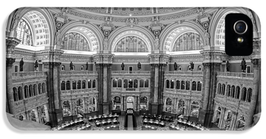 Library Of Congress IPhone 5 / 5s Case featuring the photograph Library Of Congress Main Reading Room by Susan Candelario