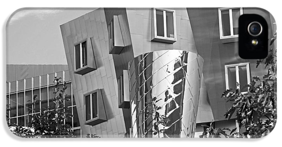 Beaver IPhone 5 Case featuring the photograph Massachusetts Institute Of Technology Stata Center by University Icons