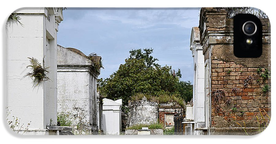 Lafayette IPhone 5 / 5s Case featuring the photograph New Orleans Lafayette Cemetery by Christine Till