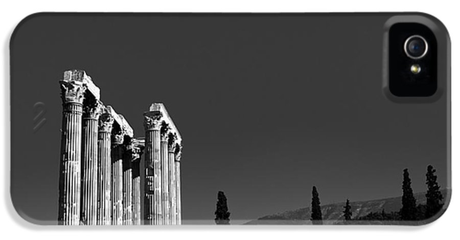 Temple IPhone 5 Case featuring the photograph Temple Of Zeus by Gabriela Insuratelu