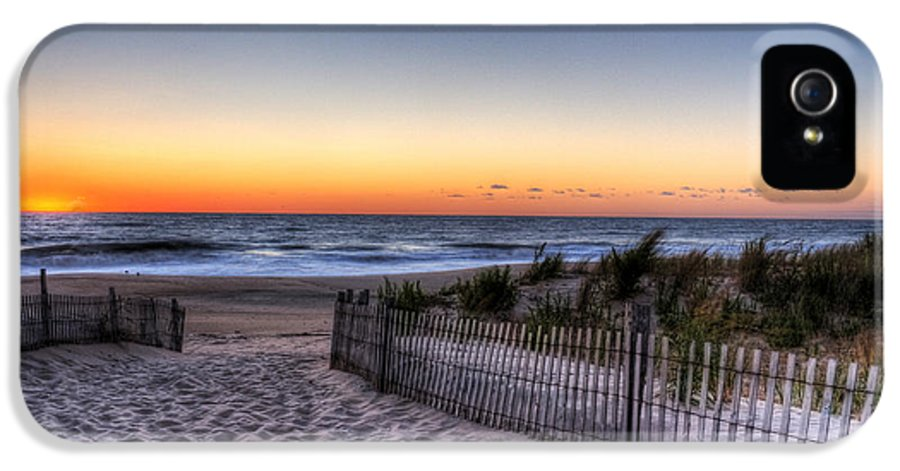 Dewey Beach IPhone 5 Case featuring the photograph Tower Beach Sunrise by David Dufresne