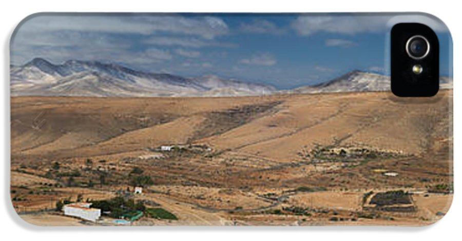 Valle De Santa Ines IPhone 5 Case featuring the photograph Valle De Santa Ines 2 by Michael David Murphy