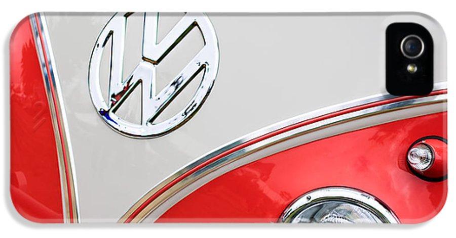 1960 Volkswagen Vw 23 Window Microbus Emblem IPhone 5 Case featuring the photograph 1960 Volkswagen Vw 23 Window Microbus Emblem by Jill Reger