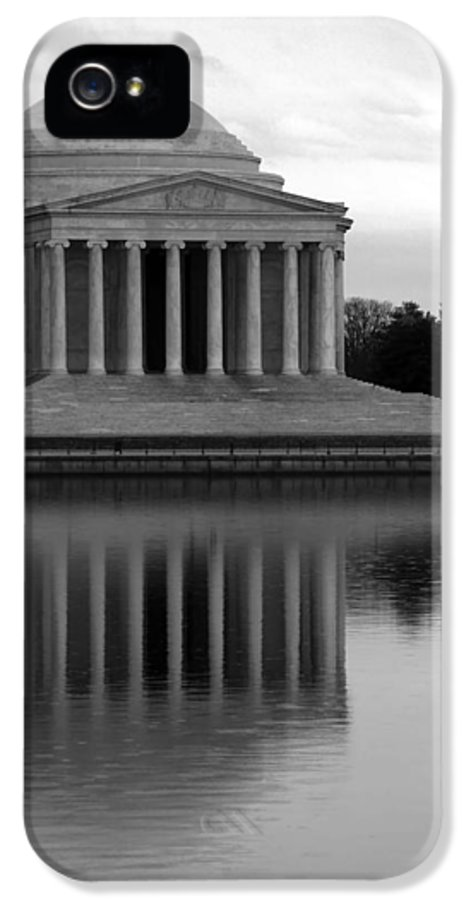 Jefferson Memorial IPhone 5 Case featuring the photograph The Jefferson Memorial by Cora Wandel