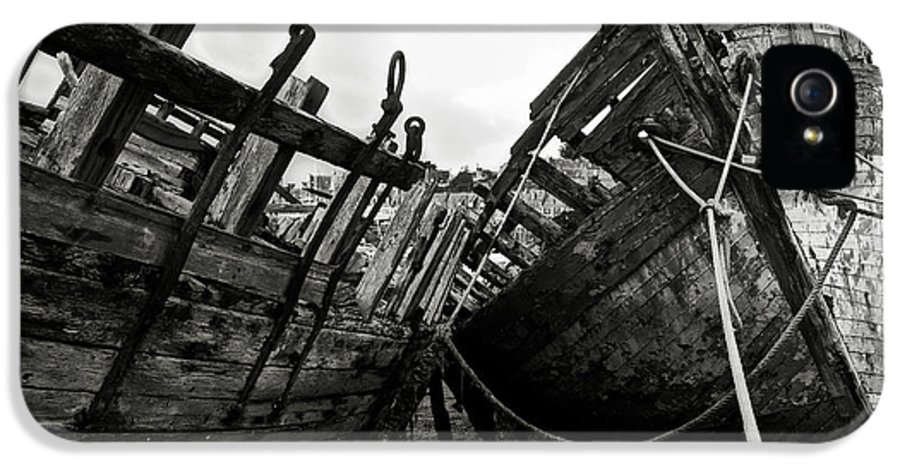 Old IPhone 5 Case featuring the photograph Old Abandoned Ships by RicardMN Photography