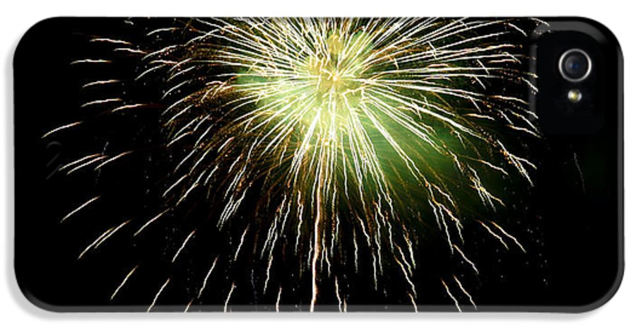 Fireworks IPhone 5 Case featuring the photograph 4th Of July 2 by Marilyn Hunt