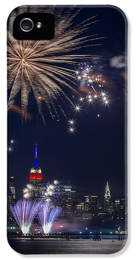 4th IPhone 5 / 5s Case featuring the photograph 4th Of July Fireworks by Eduard Moldoveanu
