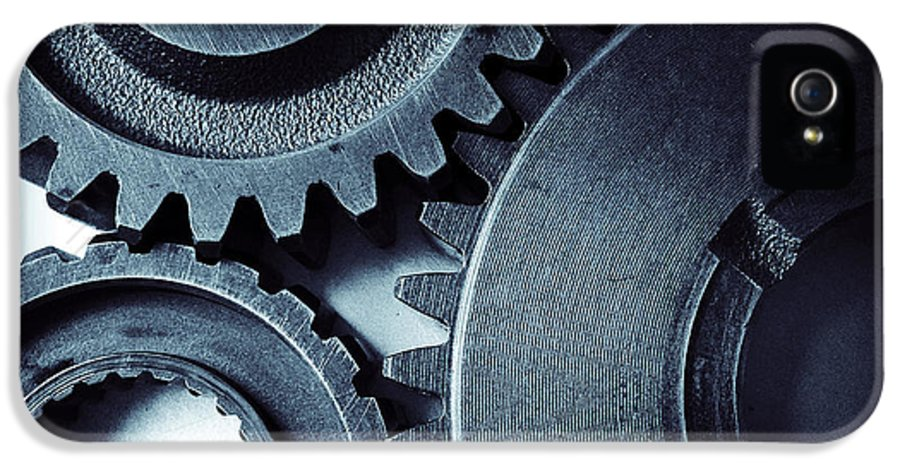 Gearing IPhone 5 Case featuring the photograph Cogs by Les Cunliffe