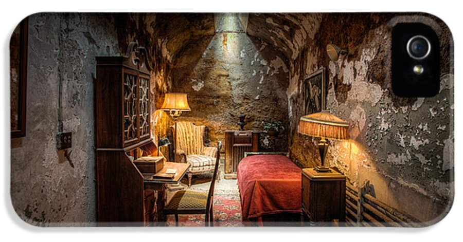 Scarface IPhone 5 Case featuring the photograph Al Capone's Cell - Historical Ruins At Eastern State Penitentiary - Gary Heller by Gary Heller