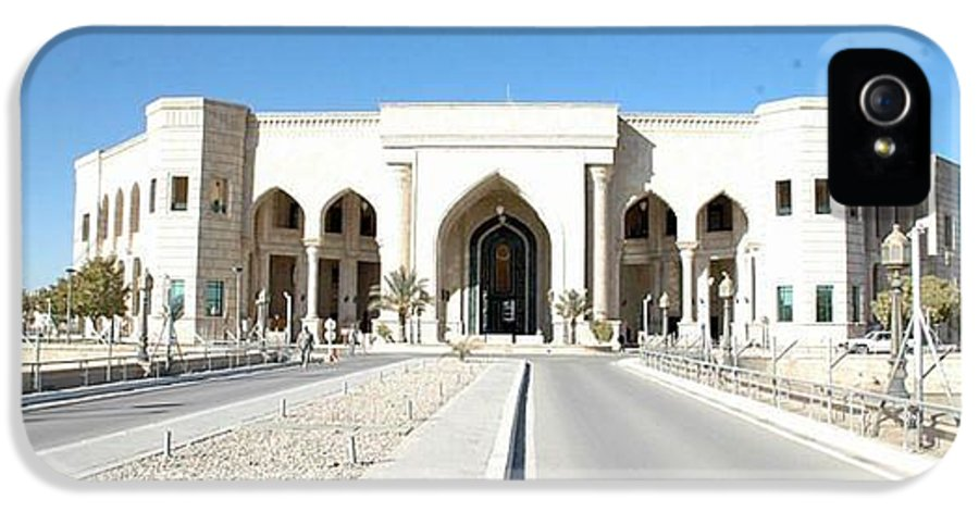 Al Faw Palace IPhone 5 Case featuring the photograph Al Faw Palace by Sharla Fossen