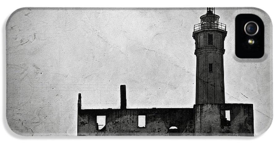 Alcatraz Island IPhone 5 Case featuring the photograph Alcatraz Island Lighthouse by RicardMN Photography