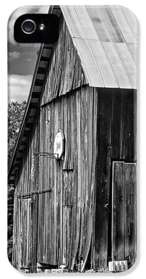 Landscape IPhone 5 Case featuring the photograph An American Barn Bw by Steve Harrington