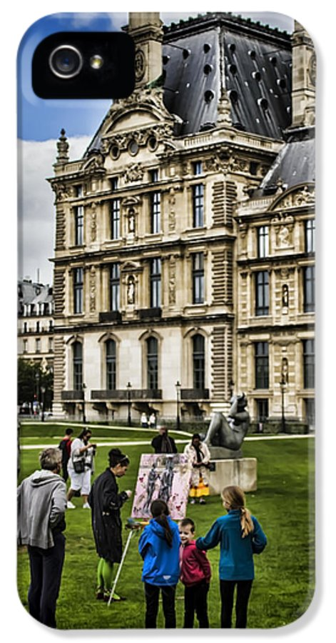 Painter IPhone 5 / 5s Case featuring the photograph An Oil Painter In A Park In Paris by Sven Brogren