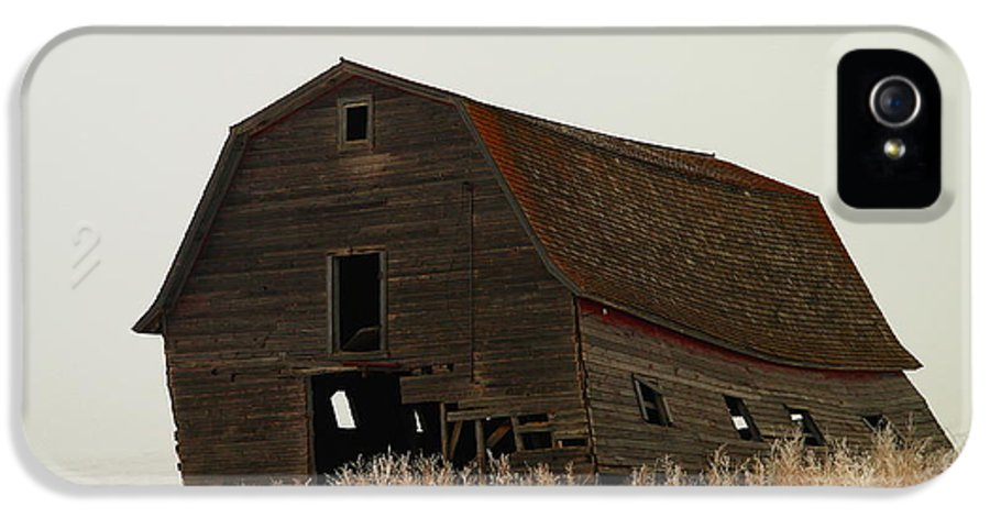 Barns IPhone 5 Case featuring the photograph An Old Leaning Barn In North Dakota by Jeff Swan