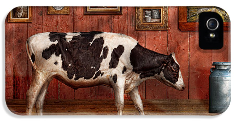 Cow IPhone 5 Case featuring the photograph Animal - The Cow by Mike Savad