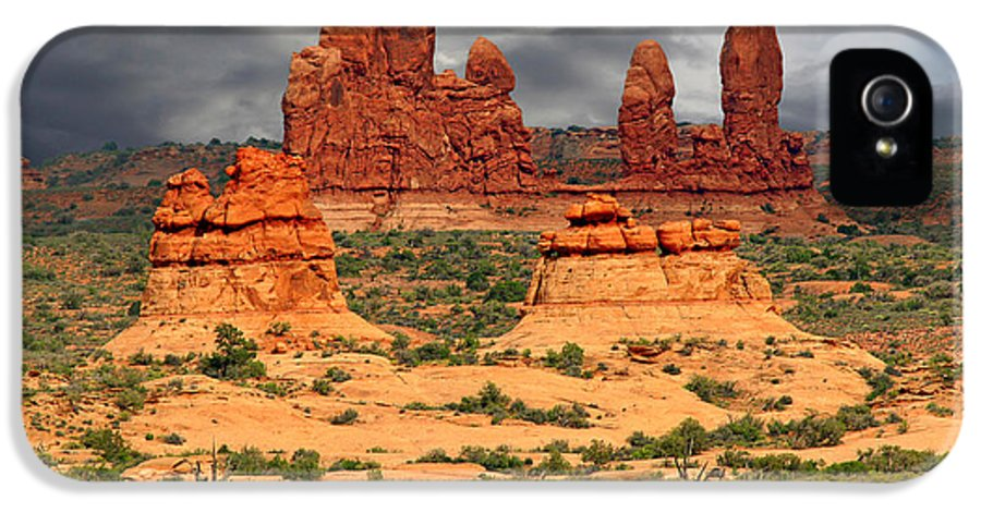 The IPhone 5 Case featuring the photograph Arches National Park - A Picturesque Drama by Christine Till
