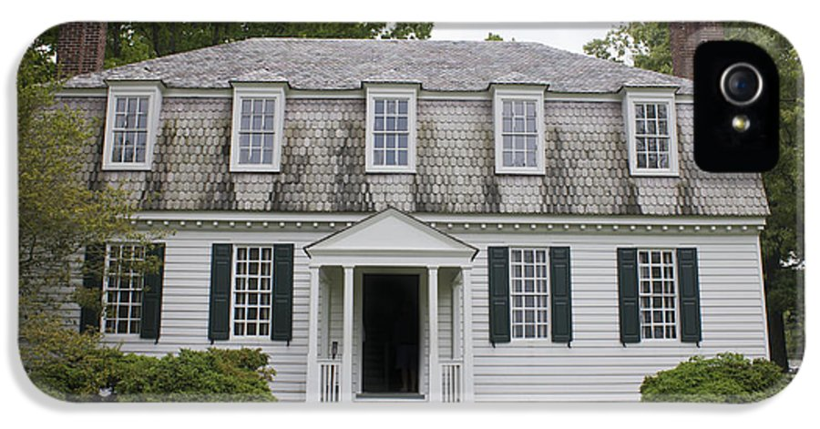 Yorktown IPhone 5 Case featuring the photograph Augustine Moore House Yorktown Virginia by Teresa Mucha