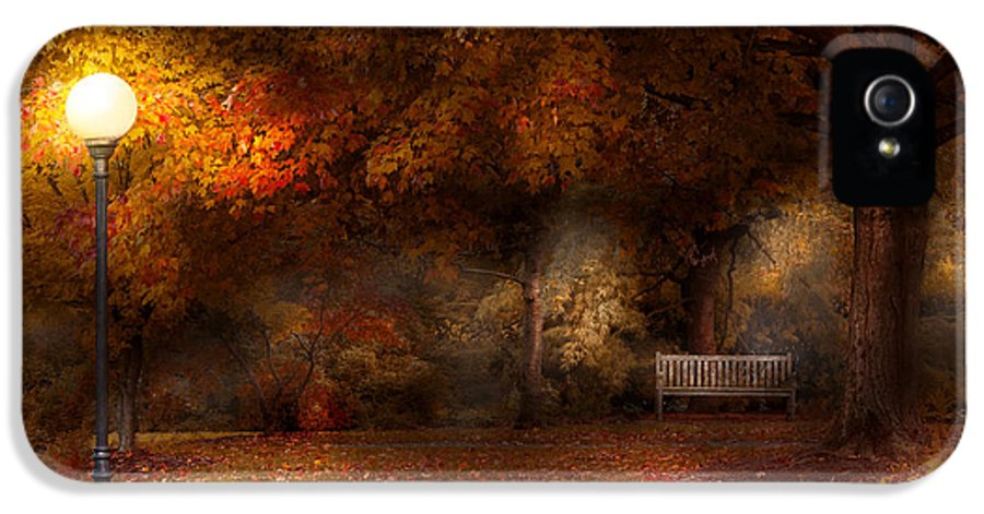 Autumn IPhone 5 / 5s Case featuring the photograph Autumn - A Park Bench by Mike Savad