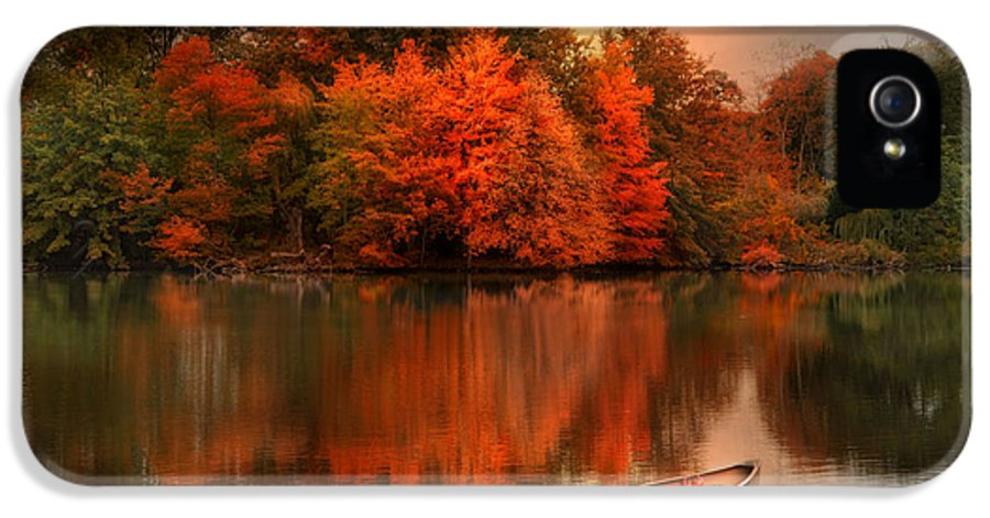Canoe IPhone 5 Case featuring the photograph Autumn Canoe by Robin-Lee Vieira