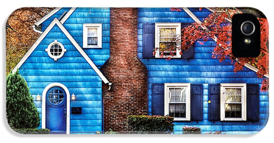 Savad IPhone 5 Case featuring the photograph Autumn - House - Little Dream House by Mike Savad