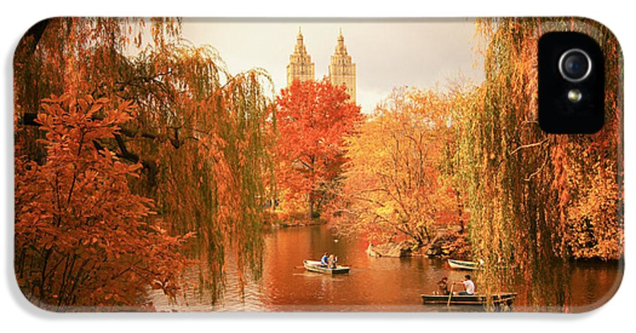 Autumn IPhone 5 Case featuring the photograph Autumn Trees - Central Park - New York City by Vivienne Gucwa