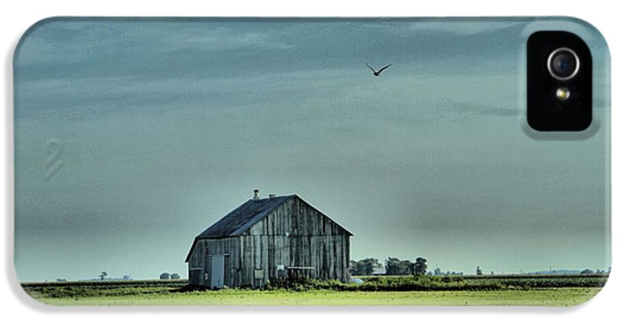The Flight Home IPhone 5 / 5s Case featuring the photograph The Flight Home by Dan Sproul