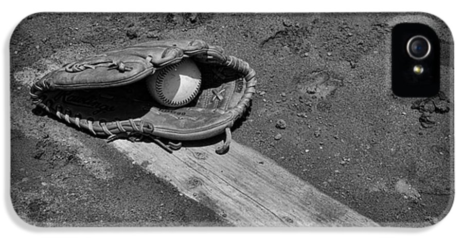 Paul Ward IPhone 5 Case featuring the photograph Baseball Pitchers Mound In Black And White by Paul Ward