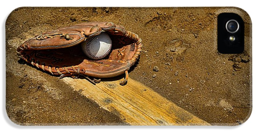 Paul Ward IPhone 5 Case featuring the photograph Baseball Pitchers Mound by Paul Ward