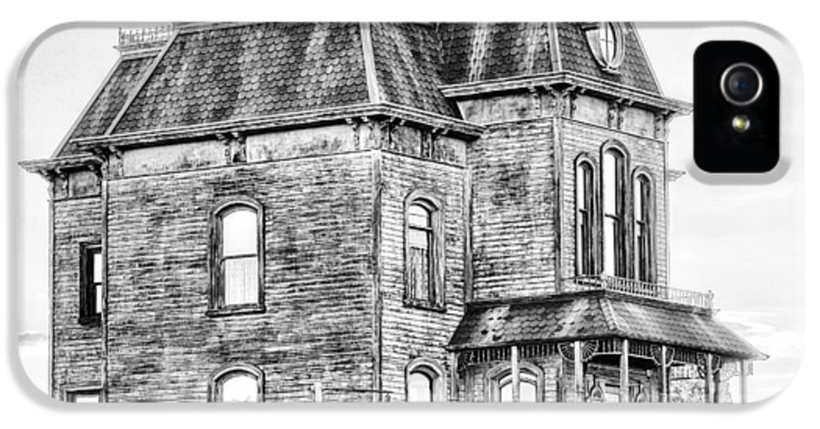 Bates Motel IPhone 5 Case featuring the photograph Bates Motel Haunted House Black And White by Paul W Sharpe Aka Wizard of Wonders