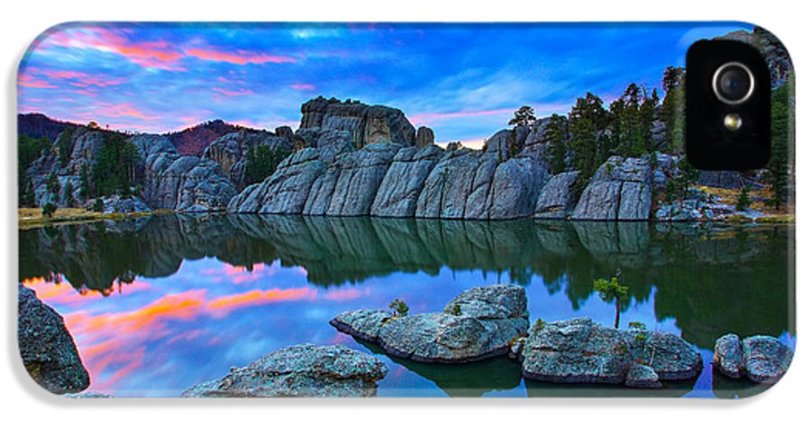 South IPhone 5 Case featuring the photograph Beauty After Dark by Kadek Susanto