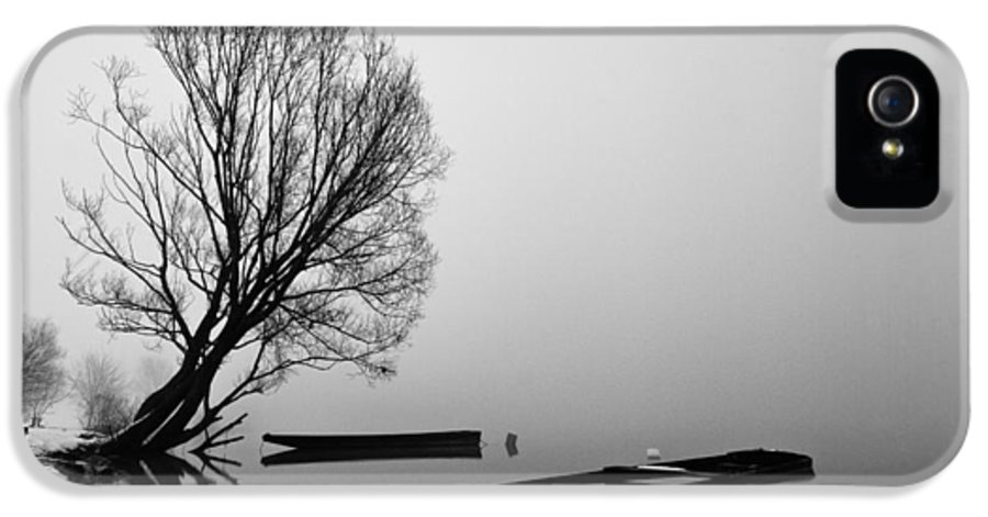 Landscapes IPhone 5 / 5s Case featuring the photograph Beginning Of The End by Davorin Mance