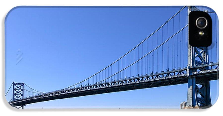 Philadelphia IPhone 5 Case featuring the photograph Ben Franklin Bridge by Olivier Le Queinec