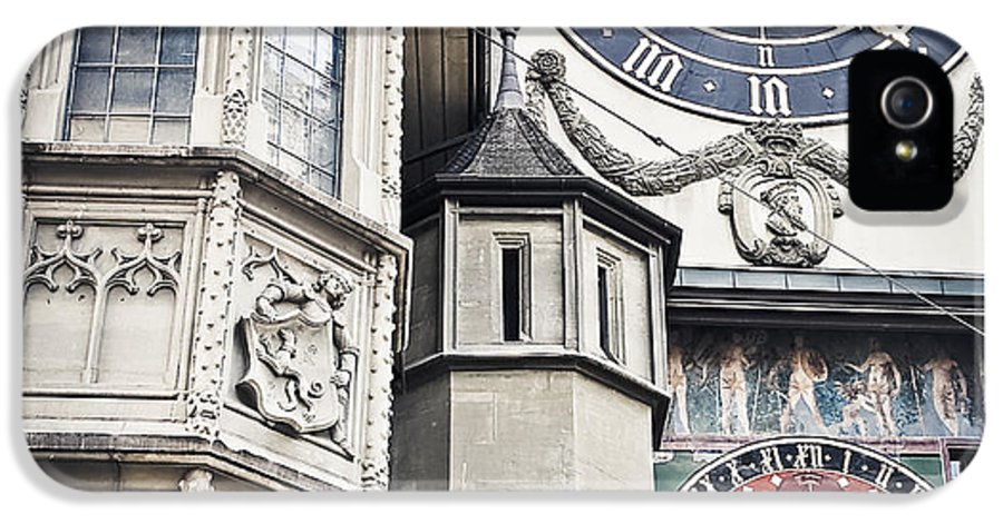 Berne IPhone 5 Case featuring the photograph Berne Famous Clock by Mesha Zelkovich