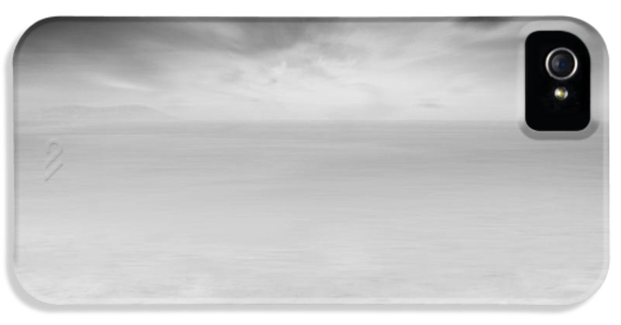Long Exposure IPhone 5 Case featuring the photograph Beyond The Horizon by Taylan Apukovska